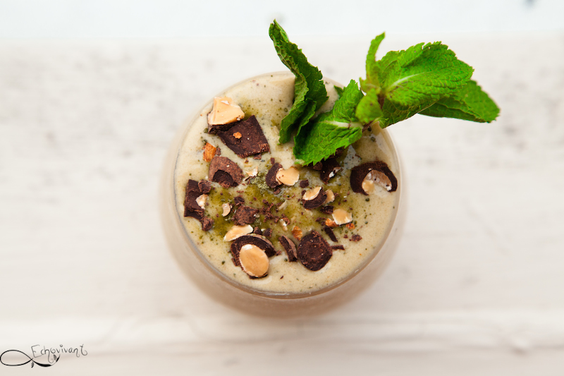 Sorbet au  the vert matcha, menthe et amandes au chocolat